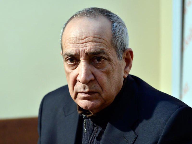 """Rasim Balayev od püskürdü: """"Yalandır, 1000 manat yox..."""""""