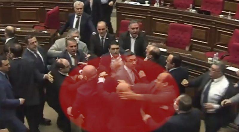 Ermənistan parlamentində kütləvi dava – VİDEO