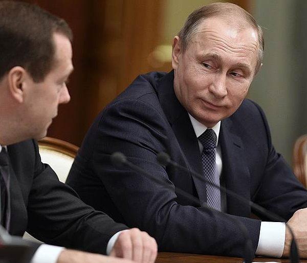 Rusiya separatçılarla birbaşa danışıqlar tələb edir - Elxan Şahinoğlunun ŞƏRHİ