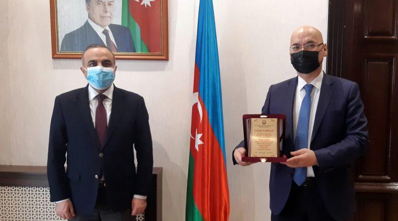 Azay Quliyev Osman Gunduzü təltif edib – FOTOLAR