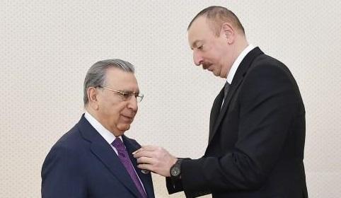 Prezident Ramiz Mehdiyevi təltif edib – FOTO