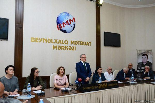 Aprel şəhidi Raquf Orucova həsr olunmuş filmin təqdimatı keçirilib-FOTO