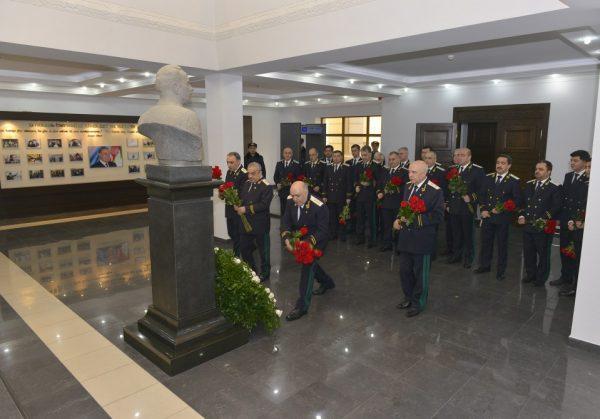 Baş Prokurorluqda ulu öndər Heydər Əliyevin xatirəsi anılıb – FOTO