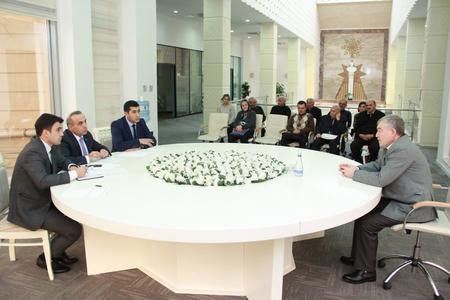 Azay Quliyev seçicilərini qəbul etdi